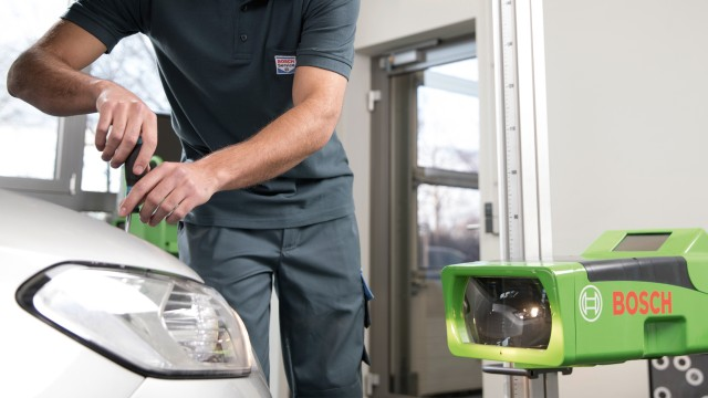 Controlli delle lampadine dell'auto e altri servizi di illuminazione